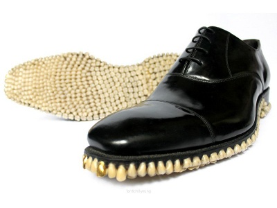 Dentalcompare Blog: How Do You Properly Articulate Shoes With Teeth?